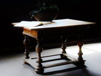 Consejos para restaurar muebles de madera antiguos